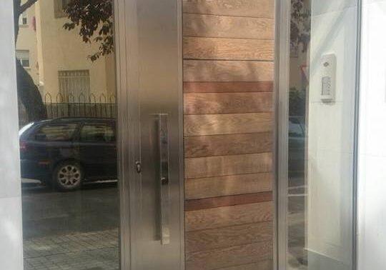 Foto portada puertas de acero inoxidable2